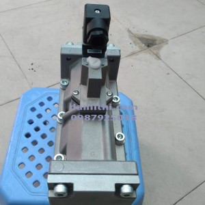 Van điện từ CKD 4F710-25-AC200V